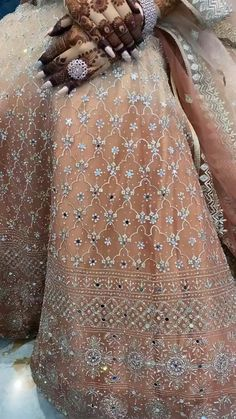 How prettty is this pastel bridal lehenga with detailed mirror work paired perfectly with heavy jewellery and other accesories. The beautiful mehendi and pretty nails add the perfect glow to the video! (C) Pretty Rekha Mua #wittyvows #bridalmakeup #bridaljewellery #bridalnails #bridaloutfit #bridalmehndidesign #bridalinspiration #bridaldesigner #bridallehenga #indianwedding #indianweddinginspiration Bridal Mehndi Designs, Bridal Henna, Bridal Looks, Bridal Style, Pakistani Party Wear Dresses, Indian Wedding Photos, Hair Setting, Indian Bridal Fashion, Baby Videos