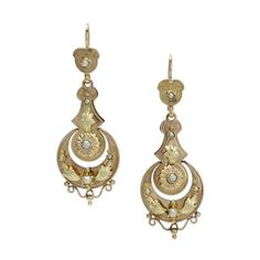 Luscious Victorian Rose and Yellow Gold Drop Earrings with Pearls (203.555 RUB) ❤ liked on Polyvore featuring jewelry, earrings, accessories, gold, pearl drop earrings, gold jewelry, gold drop earrings, victorian gold earrings and white pearl earrings