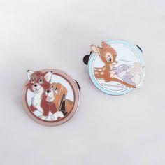Les petits nouveau reçus à l'instant. D'habitude j'essaie de ne pas m'éparpiller dans mes collections mais là j'ai craqué . #Bambi #roxetrouky #disney #pin #pins #pinstrading #trade #happy