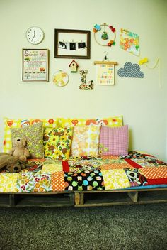 I love EVERYTHING about this 70's inspired nursery! This would be so fun to do.