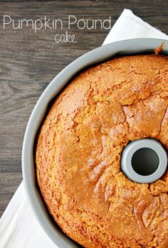 Pumpkin Pound Cake Recipe Looks rich and delicious. Maybe the name should be Pumpkin 1 Pound Per Slice Cake! Köstliche Desserts, Delicious Desserts, Dessert Recipes, Yummy Food, Health Desserts, Dinner Recipes, Tasty, Pumpkin Recipes, Fall Recipes
