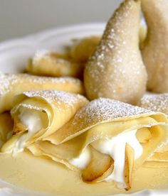 French pear crepes - I probably shouldn't want to eat this but it looks delicious! Just Desserts, Delicious Desserts, Breakfast Recipes, Dessert Recipes, Pear Dessert, Dessert Healthy, French Crepes, Good Food, Yummy Food