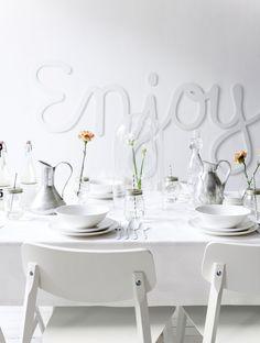 vtwonen wit servies | vtwonen white tableware | vtwonen mei 2015 | Fotografie Sjoerd Eickmans | Styling Kim van Rossenberg