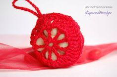Bomboniera laurea- Linea Crochet  Soap: sacchettino e sapone mignon