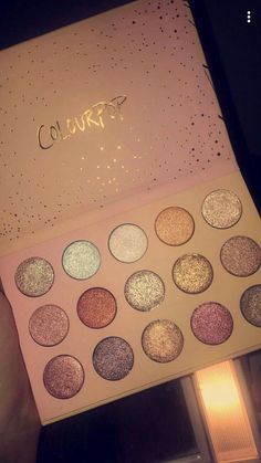 51 Pretty Makeup Products That You Should Try Now - Hair and Beauty eye makeup Ideas To Try - Nail Art Design Ideas Makeup Goals, Makeup Inspo, Makeup Inspiration, Makeup Kit, Cute Makeup, Pretty Makeup, Sparkly Makeup, Skin Makeup, Beauty Makeup