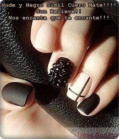 Nude y Negro Simil Cuero Mate!!!! Con Relieve!! Nos encanta que te encante!!!