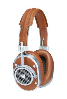 Master & Dynamic Signature Over-Ear Closed Back Headphones with High Sound Quality and High Level of Design, Brown Leather Studio Headphones, Over Ear Headphones, Music Headphones, Ipod, Cool Things To Buy, Stuff To Buy, Fun Stuff, Small Things, Lambskin Leather