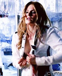 This precedes her sewing herself up. How can you not love this awesome woman? Beautiful Celebrities, Most Beautiful Women, Beautiful Actresses, Castle Season 8, Stana Katic Hot, Seamus Dever, Molly Quinn, Castle Tv Shows, Castle Beckett