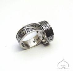 trouwring, trouwringen, trouwen, verlovingsring, titanium, goud, zilver, diamant, briljant, goudsmid, edelsmid, juweelontwerp, juweelontwerper, ontwerpen, keltische trouwringen, ringen, bruiloft, trouwfeest, bruid, gravure, handgravure, graveren, handgemaakt, ambacht, artisanaal, Keltisch, gotisch schrift, gothic, gepersonaliseerd