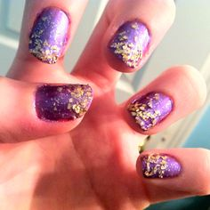 Taylor Swift wonderstruck perfume inspired nails. Instead of the flecks I'd use gold glitter polish on the tips :)