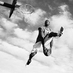 Play Hard // Dunk by Street Basketball, Basketball Is Life, Basketball Shooting, Basketball Legends, Basketball Players, Figure Drawing Reference, Art Reference Poses, Kyle Kuzma, Skate
