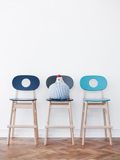 The Hukit chair originally designed and handcrafted in 1967 by Kaj Høffer Larsen Living Furniture, Kids Furniture, Furniture Design, Leather Stool, White Dining Chairs, Take A Seat, Danish Design, Soft Furnishings, Kids Bedroom