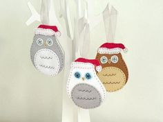Christmas owl felt decoration - choose from a snowy, brown or grey owl. This  little bird would make a super cute addition to your Christmas tree.  But he's more than just a Christmas tree bauble - why not hang him in a  window, from a drawer handle or hook up on your wall.