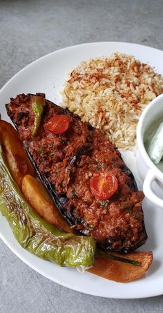 Karni yarik: aubergines stuffed with minced meat - My tasty cuisine - Recettes - Yummy Chicken Recipes, Yum Yum Chicken, Meat Recipes, Healthy Dinner Recipes, Vegetarian Recipes, Cooking Recipes, Cooking Food, Drink Recipes, Turkish Recipes