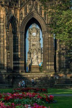 Scott Monument, Edinburgh / Scotland (by Artur Milota) England And Scotland, Edinburgh Scotland, Scotland Travel, Castle Scotland, Ireland Travel, Beautiful World, Beautiful Places, Amazing Places, Scott Monument