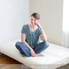 I love this casual nursing top for playdates and lunch out with the baby. #breastfeeding #normalizebrestfeeding