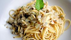 pbs-food: Pasta with Clams and Pancetta from Art of Food (WHYY) Pasta With Clam Sauce, Clam Pasta, Italian Pizza Dough Recipe, Pancetta Pasta, Pbs Food, Oyster Recipes, Seafood Pasta Recipes, Entree Recipes, Clams