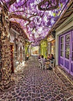 Cidade Molyvos em Lesbos, na Grécia