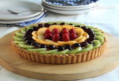 Cream pie and fresh fruits - Celine's Recipes Tart Recipes, Sweets Recipes, Fresh Fruit Tart, Flan Cake, Mini Pies, Homemade Pie, Cream Pie, Sweet Cakes, Health Desserts