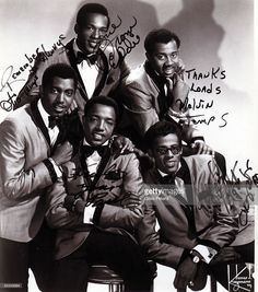 Photo of TEMPTATIONS and Paul WILLIAMS and Eddie KENDRICKS and Melvin FRANKLIN and David RUFFIN and Otis WILLIAMS; Posed studio group portrait - clockwise from left - Otis Williams, Eddie Kendricks, Melvin Franklin, David Ruffin and Paul Williams