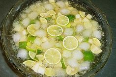 Most up-to-date Images Meat snacks for party Suggestions, Caipirinha punch 5 Allow me to share 30 healthy snacks that. Snacks Für Party, Party Drinks, Cocktail Drinks, Cocktail Recipes, Summer Cocktails, Party Games, Drink Recipes, Healthy Eating Tips, Healthy Nutrition