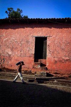 Por las calles de Suchitoto, El Salvador via @MarioAntonioPe7