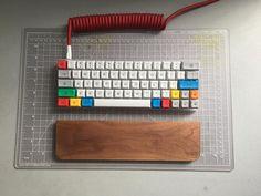 Snoo's Keyboards on in 2020 Clean Keyboard, Keyboard Keys, Computer Keyboard, Basic Computer Programming, Computer Coding, Computer Build, Pc Setup, Gaming Setup, Gaming Desk