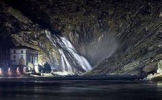 Cascada del Ézaro. Fervenza de Ézaro.  Ézaro´s Waterfall. La cascade du Ézaro.