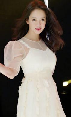 Ji Hyo Running Man, Pretty Korean Girls, Celebrity Wallpapers, Korean Actresses, Korean Beauty, Kpop Girls, Most Beautiful, White Dress, Handsome