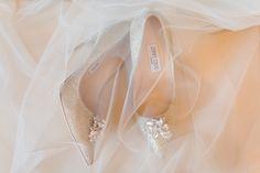 beautiful bridal shoes | photographed by PASTELLGESCHICHTEN  #bridalshoes #wedding #destinationwedding #london #jimmychoo #heels #wedding #hochzeit #hochzeitsfotograf #berlin