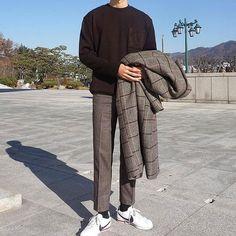 1b2d339fb0 Estilo Masculino, Moda Coreana Masculina, Atuendos De Moda, Pantalones De  Moda, Moda