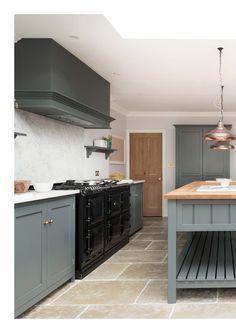 Kleur kekwn Devol Kitchens, Kitchen Cabinets, Classic, Home Decor, Derby, Decoration Home, Room Decor, Cabinets, Classic Books