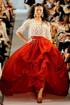 that red skirt -Oscar de la Renta,2012