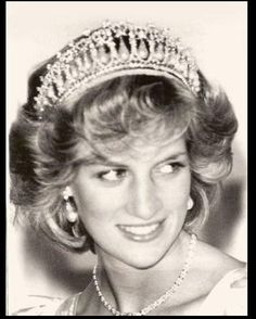 April 21, 1983: Princess Diana at a dinner & ball at Government House in Wellington, New Zealand.