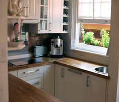 Small Kitchen-Love the butcher's block!