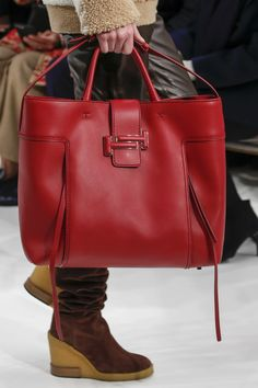 Tod's Fall 2018 Ready-to-Wear Collection - Vogue