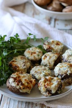 Three Cheese Stuffed Mushrooms (Low Carb, Keto, Primal, GAPS) These Three Cheese Stuffed Mushrooms make a great healthy appetizer. With only 6 ingredients, they are incredibly simple and quick to make. Healthy Stuffed Mushrooms, Cheese Stuffed Mushrooms, Mushroom Appetizers, Mushroom Recipes, Low Carb Appetizers, Appetizer Recipes, Simple Appetizers, Salad Recipes, Gluten Free Thanksgiving