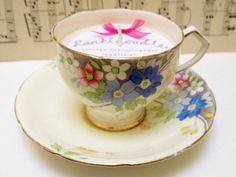 Pretty floral vintage Teacup candle by Rankidoodle on Etsy, £10.00