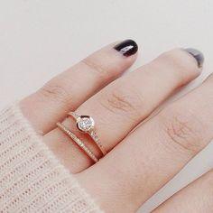 Top trend: pierścionki w liczbie mnogiej. Jak je nosić? 5 kluczy do sukcesu