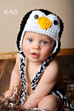 Newborn Crochet Penguin Hat.