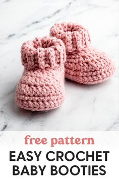 How to make Cute Crochet Baby Booties with a Ribbed Cuff you can fold down to make baby booties that actually stay on! Free pattern and step-by-step tutorial. Crochet Baby Socks, Baby Booties Knitting Pattern, Baby Shoes Pattern, Knit Baby Booties, Crochet Bebe, Booties Crochet, Crochet Baby Hats Free Pattern, Easy Crochet, Knitted Baby Clothes