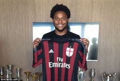 Adriano og Bacca forsinkede til Milan!