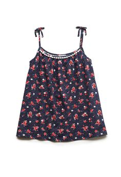 Shop comfortable and stylish Girls' Tops at Forever 21 for your mini fashionista. Find on-trend tees, blouses, and sweatshirts in an array of adorable designs. Preteen Girls Fashion, Kids Fashion, Girl Outfits, Cute Outfits, Fashion Outfits, Tomboy Girl, Cute Tank Tops, Vintage Style Outfits, My Outfit
