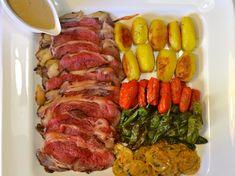 Roast beef a la pimienta verde Sausage, Steak, Pork, Blog, Peppercorn Sauce, Juices, Vegetables, Roast Beef, Kale Stir Fry