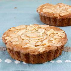 CaffeIna: Baking with Carla: Little Almonds Cakes
