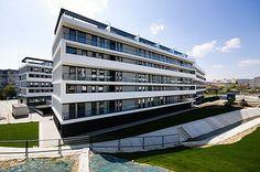 Bytový dom Račany Bianco Bratislava, Pri Vinohradoch. Rozsah diela: Zateplenie fasády, náter betónových prefabrikátov.