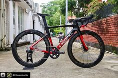 """We Are Specialized su Instagram: """"Some amazing builds coming out of Singapore-love to see them. What are your opinions on 1x on the road?!? Repost from @t3teamturtle -…"""" Road Cycling, Cycling Bikes, Specialized Road Bikes, Racing Bike, Cafe Racer Bikes, Bike Stuff, Coming Out, Painting Frames, Singapore"""