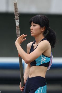 [美女アスリート]棒高跳び界の美女発見 今野美穂画像まとめ - NAVER まとめ Female Action Poses, Pole Vault, Long Jump, Beautiful Athletes, Beautiful Japanese Girl, Olympic Sports, Track And Field, Female Athletes, Sport Girl