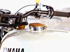 This chunky Brat/Scrambler painted in old-school Yamaha colours is the work of Javi & Co from Bike Shed favourites, Tarmac Custom. Xj Yamaha, Yamaha Cafe Racer, Honda Cbx, Yamaha Bikes, Cafe Racers, Custom Motorcycles, Custom Bikes, Cafe Racer Magazine, Custom Cafe Racer