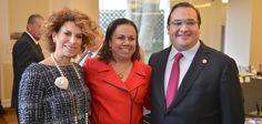 Javier Duarte y su esposa dieron labienvenida a embajadores, cónsules y agentes consulares de los países que participarán en las competencias que se realizarán en noviembre próximo.